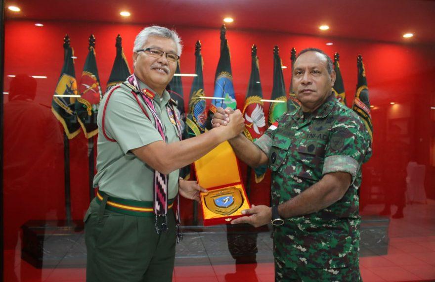Pangdam XII/Tpr Terima Kunjungan Timbal Balas Panglima Medan Timur TDM/fajarbadung.com