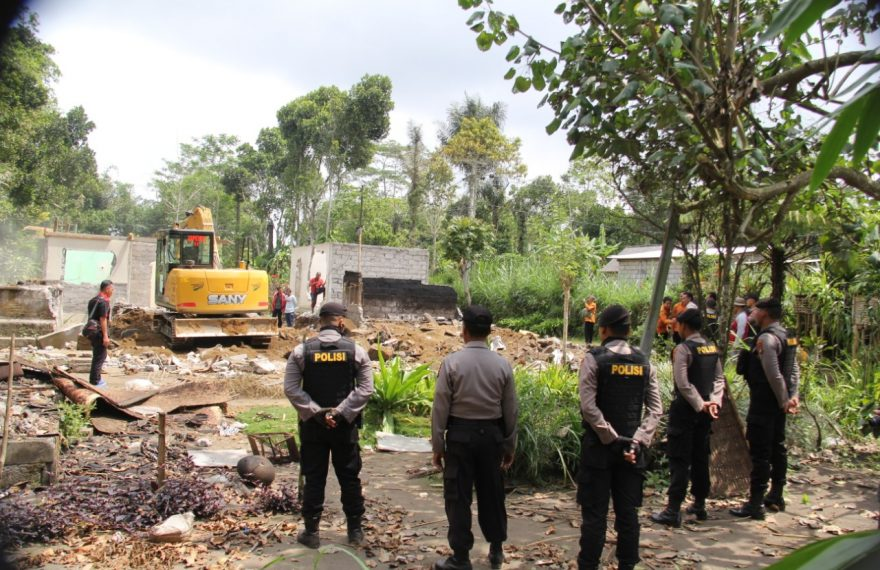 Proses Eksekusi Tujuh Bidang Tanah Dan Bangunan Di Desa Pengotan Hari Ini Berjalan Aman Dan Lancar/fajarbadung.com