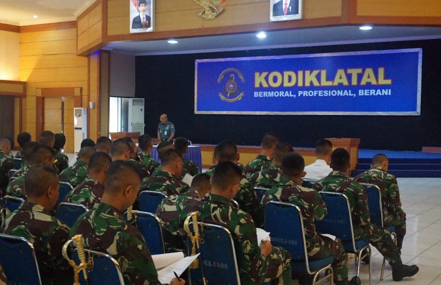 Tingkatkan Kualitas Pendidikan Siswa Diktukpa Angkatan ke-48 Kodiklatal Laksanakan Pengisisan Angket Kodiklatal/fajarbadung.com