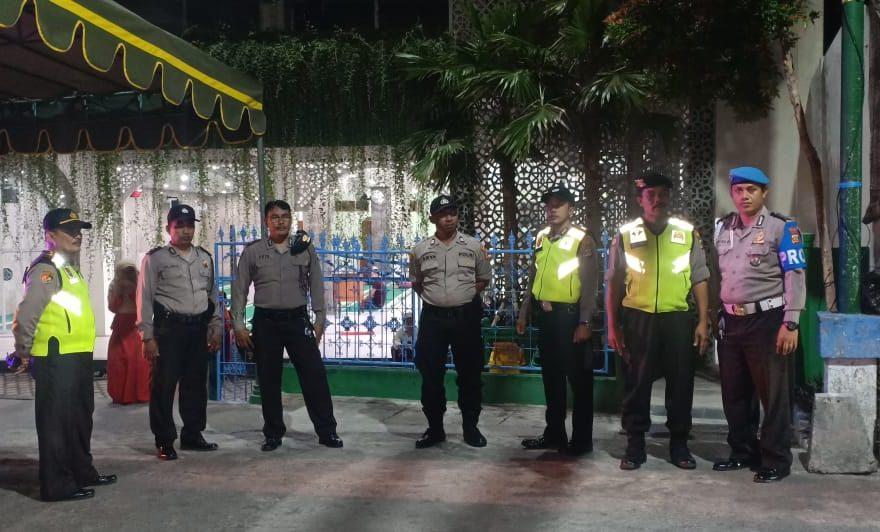Personel Polres Amankan Acara Takbir Keliling Warga Muslim Bangli/fajarbadung.com