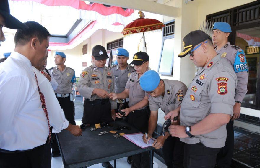 Wakapolres Cek Langsung Kelengkapan Senjata Api Anggota/fajarbadung.com