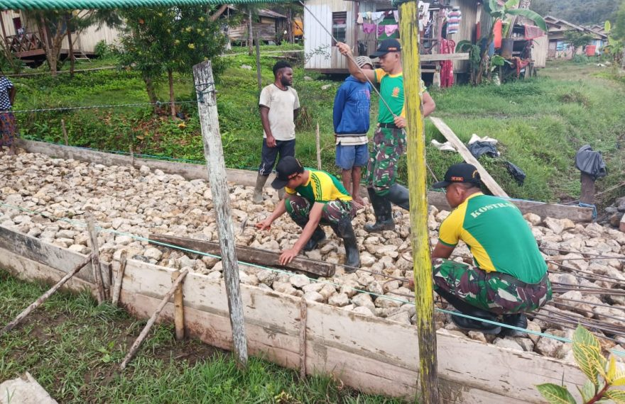 Bangkitkan Ekonomi Papua,Satgas Yonif R 509 Bangun Jalan di Pegunungan Bintang/fajarbadung.com