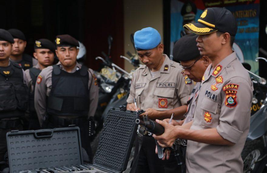 Antisipasi Keamanan, Kapolres Cek Peralatan Sabhara/fajarbadung.com