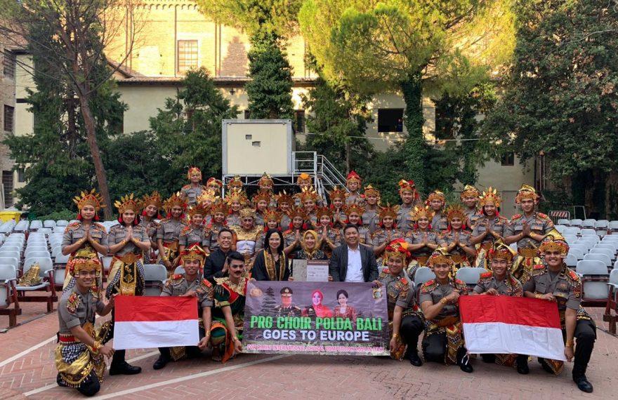 PRG Choir dari Polda Bali Tampil Memukau di Italy/fajarbadung.com