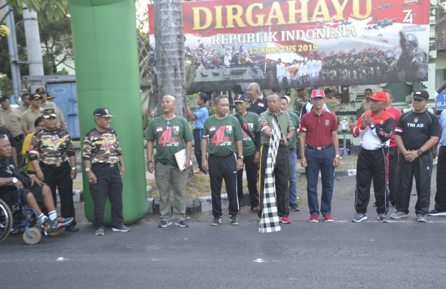 Danrem 163 Wira Satya Lepas Jalan Sehat Hut Ke 41 FKKPI/theeast.co.id