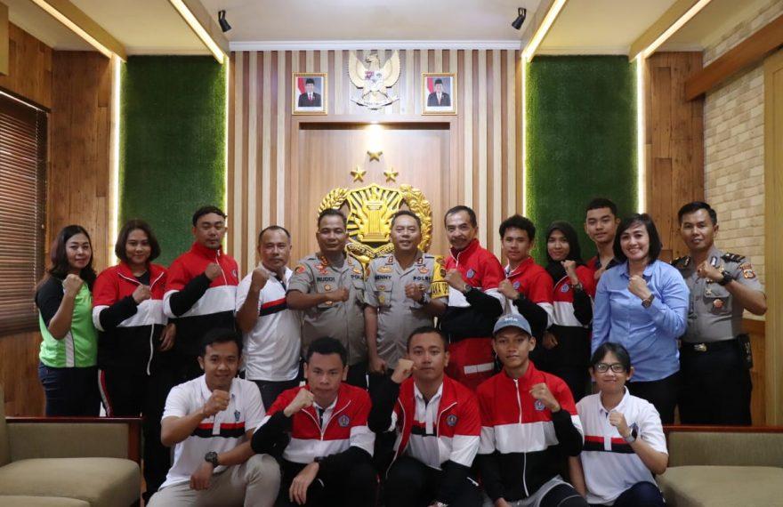 Kapolresta Denpasar Lepas Atlet Kota Denpasar Yang Akan Berlaga Di Porprov XIV 2019/fajarbadung.com