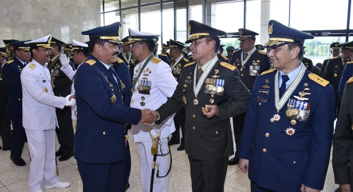 91 Pati TNI Terima Tanda Kehormatan/fajarbadung.com