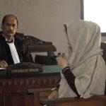 Prof Dr. Suhandi Cahaya : Siti Saodah Dituntut 2 Tahun Penjara, JPUTidak Menggunakan Teori Hukum/fajarbadung.com