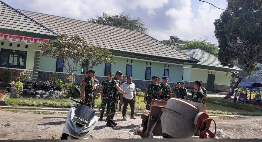 Tinjau dan Cek Perehaban Rumah Prajurit, Pangdam Sempatkan Latih Kemampuan Menembak/fajarbadung.com