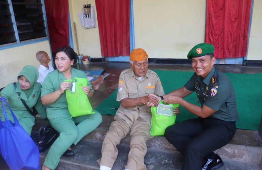 Dandim Bersama Ketua Persit Klungkung Anjangsana ke Rumah Para Veteran/fajarbadung.com