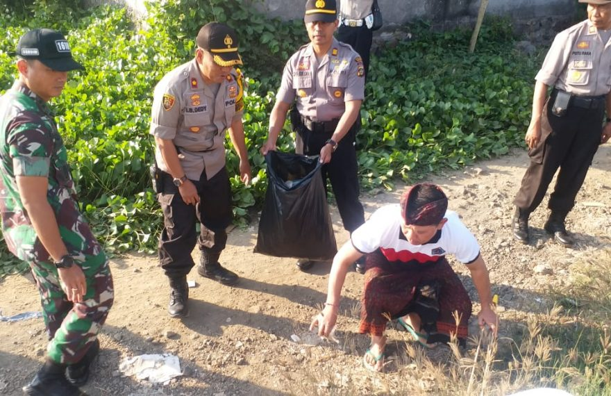 Partisipasi Personil Polres Klungkung Laksanakan Bali Resik Sampah Plastik/fajarbadung.com