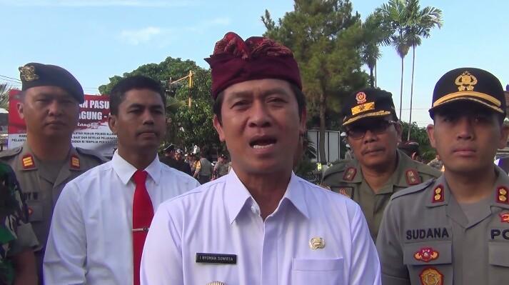 Bupati Klungkung Mengajak Masyarakat Menjaga Situasi Damai Jelang Pelantikan Presiden/fajarbadung.com