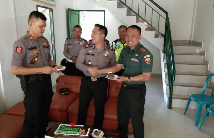 Danramil Kuta 1611-03 Kaget, Dapat Ucapan HUT TNI Ke -74/fajarbadung.com