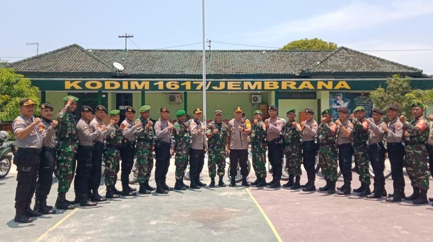 Jaga Kamtibmas TNI-Polri Gelar Patroli Bersama Jelang Pelantikan Presiden dan Wakil Presiden RI/fajarbadung.com