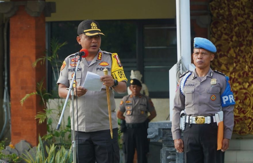 Jelang Pemilihan Perbekel Serentak Polresta Denpasar Gelar Apel Kesiapan Personil/fajarbadung.com
