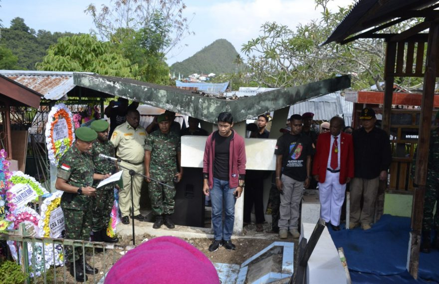 Danrem Pimpin Upacara Pemakaman Tokoh Perempuan Papua Pejuang NKRI/fajarbadung.com