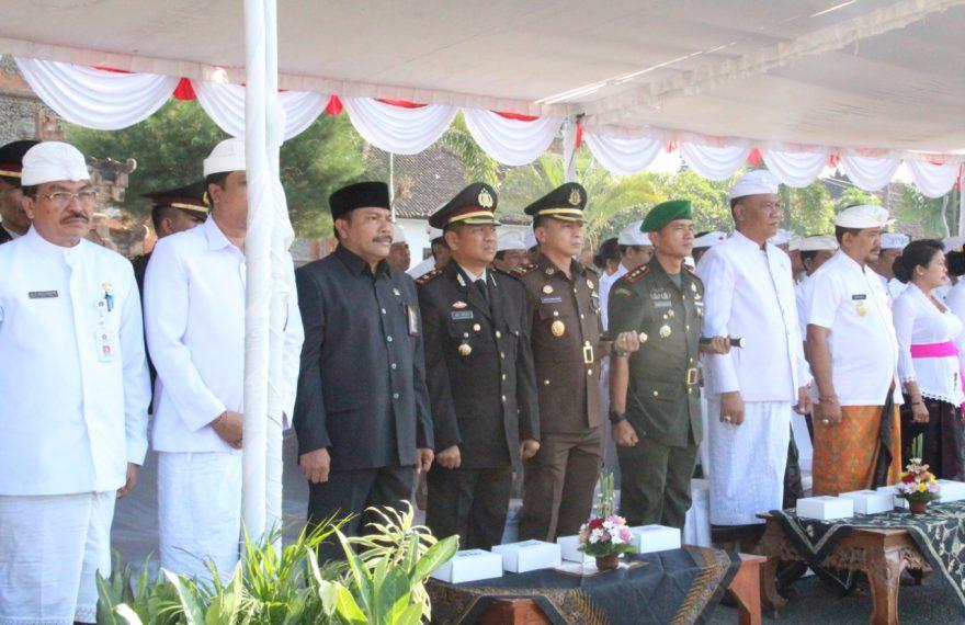WakaPolres klungkung Hadiri Upacara Hari Sumpah Pemuda ke 91 di Lapangan Puputan Klungkung/fajarbadung.com
