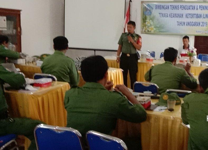 Babinsa dan Bhabinkamtibmas Bersinergi Berikan Pelatihan Kepada Linmas/fajarbadung.com