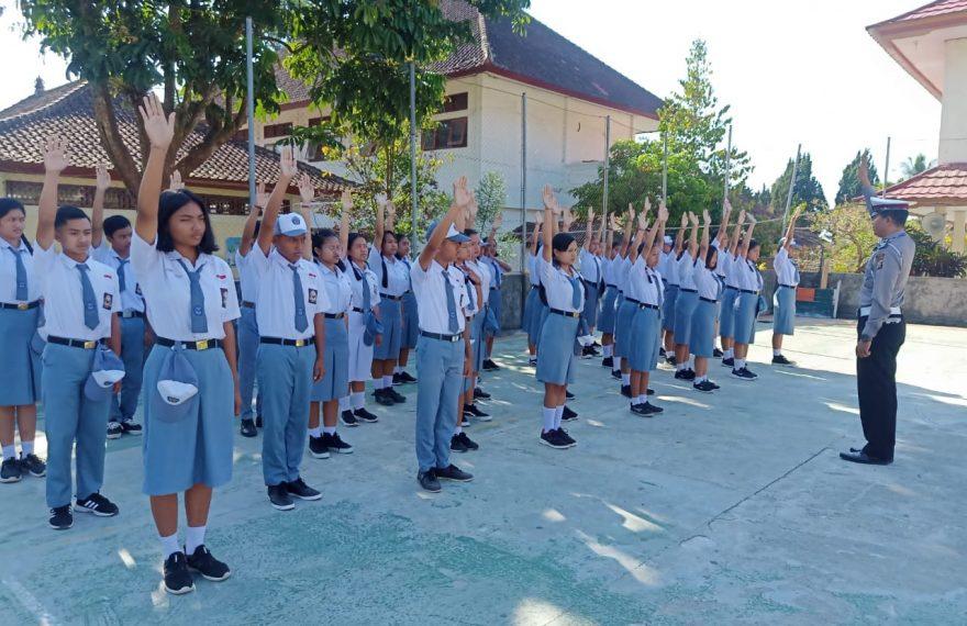 Kapanyekan Keselamatan, Sat Lantas Polres Bangli Bina Pelajar/fajarbadung.com