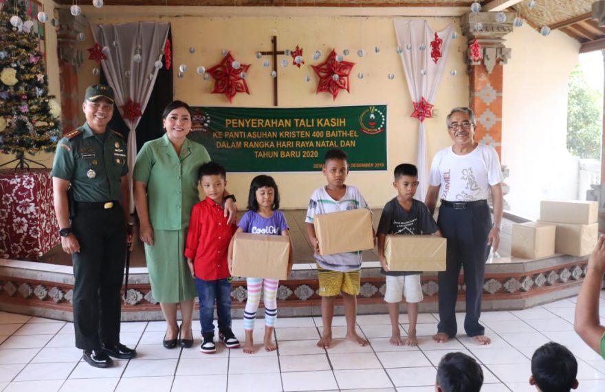 Dandim Klungkung Bersama Ketua Persit Serahkan Tali Kasih Kepada Panti Asuhan Kristen 400 Baith-El Semarapura/fajarbadung.com