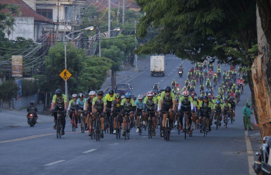 Gowes Bike for Bali 72.7 Km', Wakasad : TNI AD Adalah Kita/fajarbadung.com