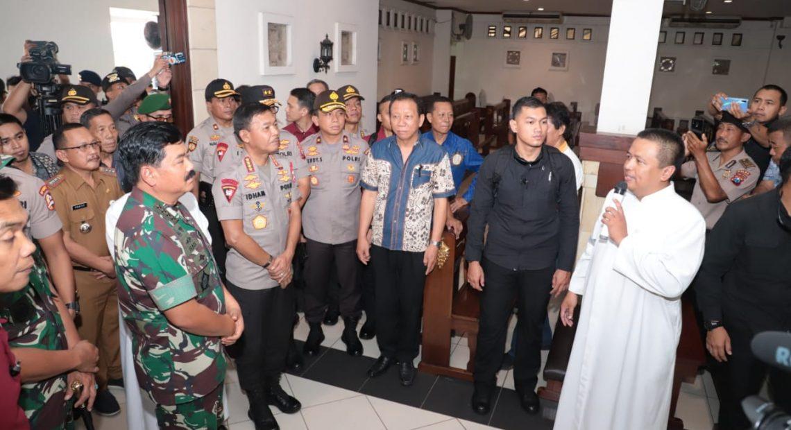 "Panglima TNI : ""Para Petugas Pengamanan Natal & Tahun Baru Harus Santun, Humanis Namun Tetap Tegas & Wibawa""/fajarbadung.com"