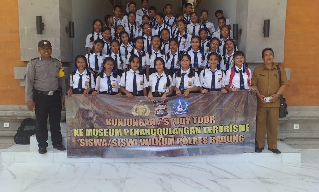 41 Siswa SMPN 2 Mengwi Rekreasi di Museum Penanggulangan Terorisme/fajarbadung.com