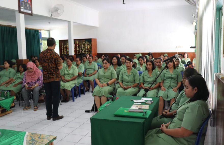 Pertemuan Gabungan Persit Kodim Klungkung Diisi Ceramah Psikologi/fajarbadung.com