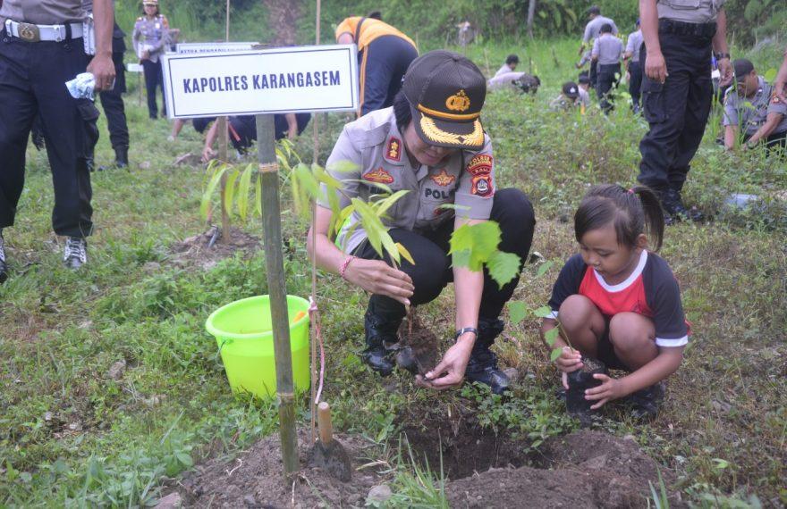 Gerakan Peduli Penghijauan Alam, Polres Karangasem Tanam 2500 Pohon/fajarbadung.com