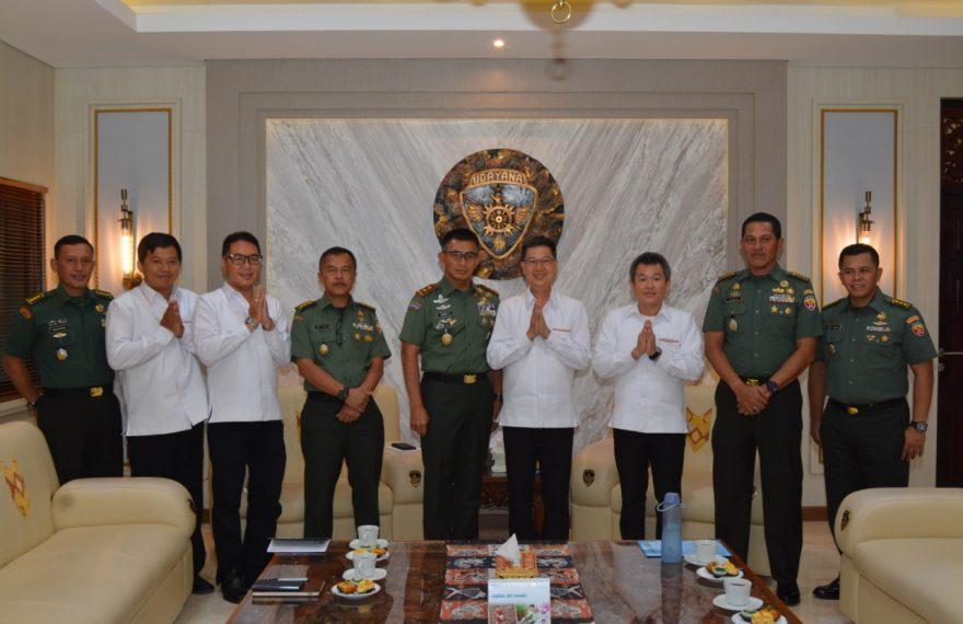 Pangdam Terima Audiensi Ketua Beserta Pengurus Permabudhi Provinsi Bali/fajarbadung.com