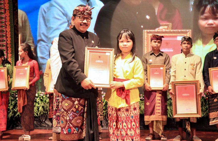 Pelaksanaan Bulan Bahasa Bali 2020 Ditutup/fajarbadung.com