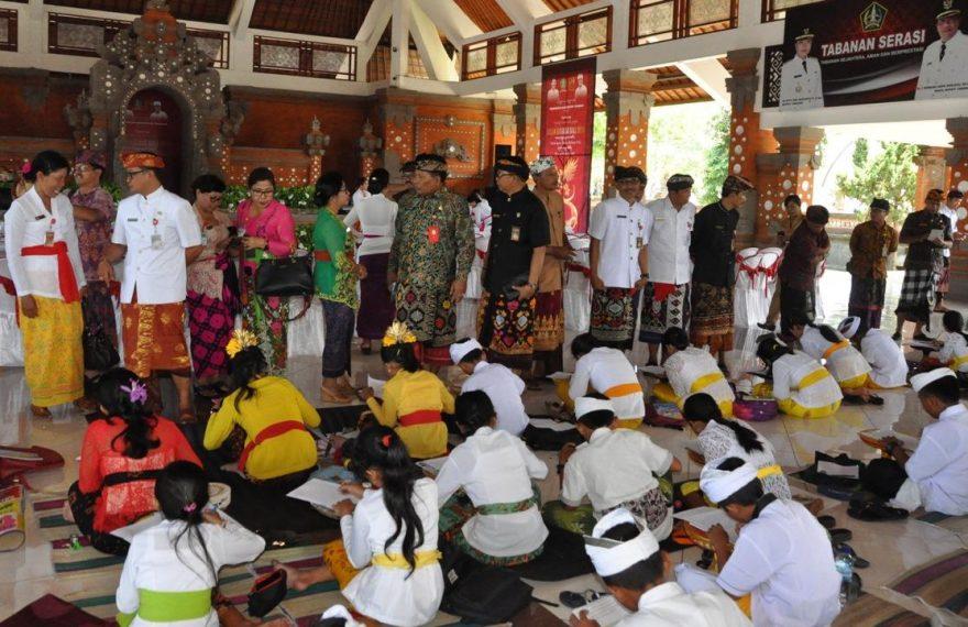 Bulan Bahasa Bali Sebagai Ajang Pelestarian Bahasa, Sastra dan Aksara Bali/theeast.co.id