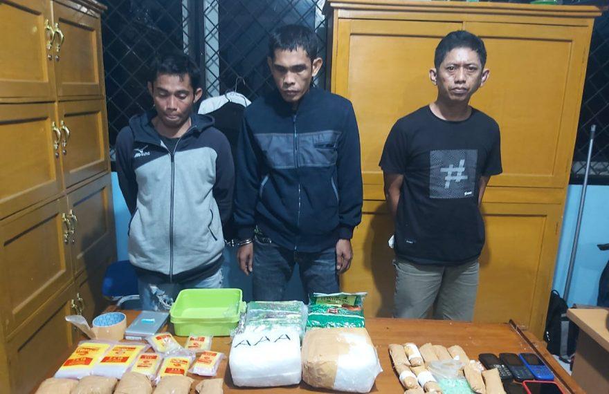 BNNP Jambi Ringkus Bandar Narkoba, Amankan 4,9 Kilo Sabu dan 1.400 Ekstasi/fajarbadung.com