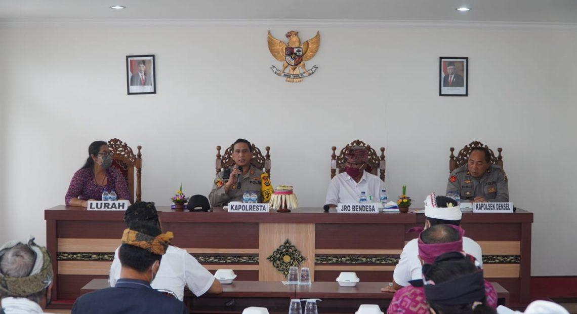 Sambangi Desa Adat Renon Kapolresta Denpasar Akan Tindak Tegas Korupsi BLT/fajarbadung.com