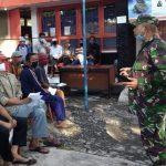 Pjs.Danramil Penebel Bersama Camat Pantau Pembagian Bantuan Sosial Tunai/fajarbadung.com