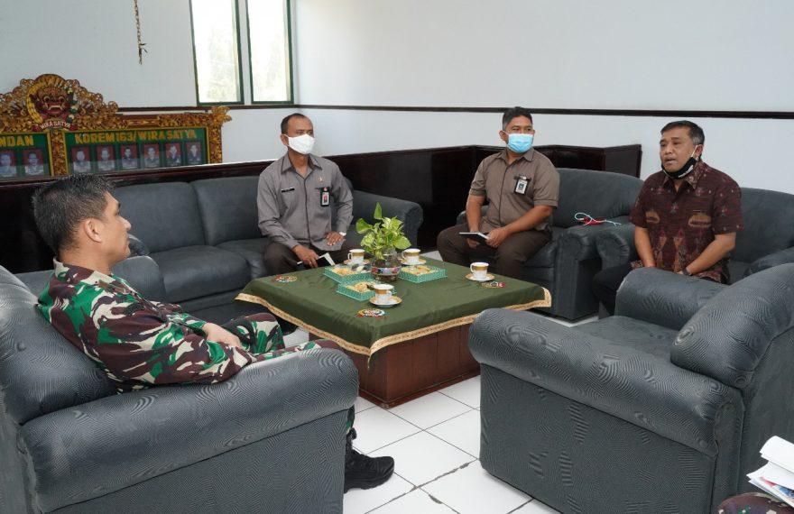 Pilkada, Ketua KPU Bali Beraudiensi dengan Danrem 163/Wira Satya/fajarbadung.com