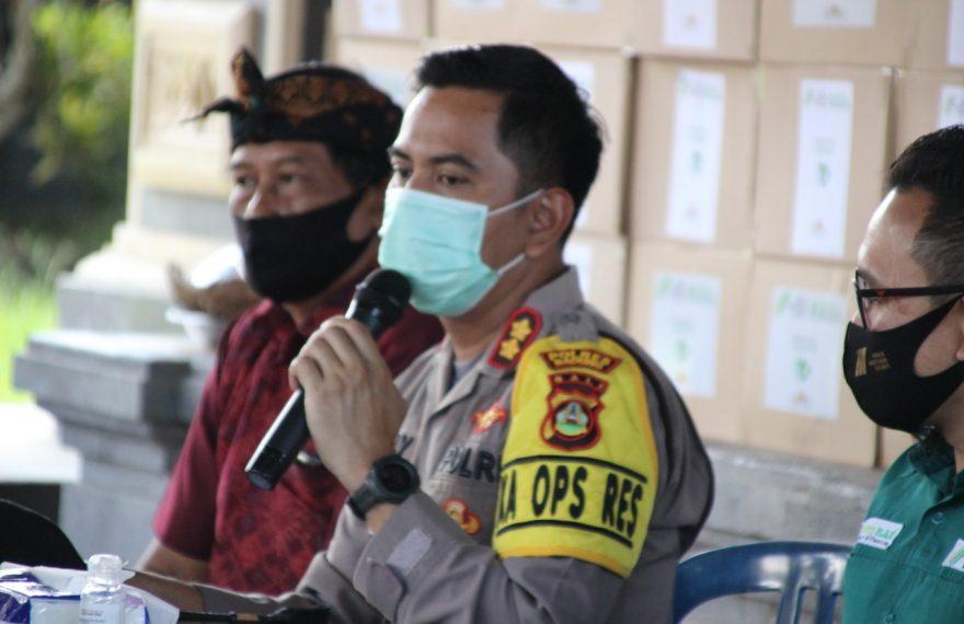 Wujud Peduli, Kapolres Badung Tak Pernah Henti Salurkan Sembako ke masyarakat/fajarbadung.com