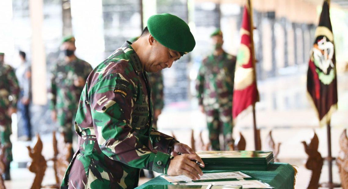 Kasad Pimpin Sertijab 7 Jabatan dan Penyerahan 2 Jabatan di Jajajaran TNI AD/fajarbaudng.com